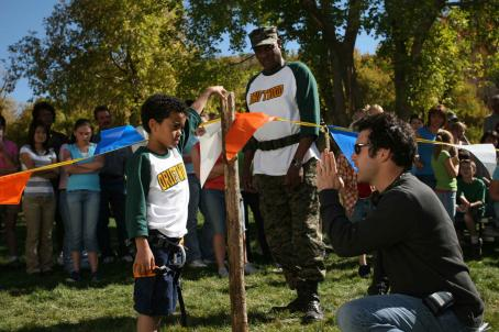 Spencir Bridges (From left to right) , Richard Grant, and director Fred Savage on the set of DADDY DAY CAMP, a TriStar Pictures release. Photo credit: Susie Ramos