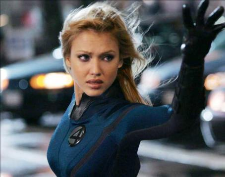 Sue Storm Jessica Alba on the set of 20th Century Fox' fantasy, Fantastic Four - 2005