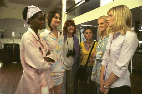 Ivana Milicevic Tomiko Fraser, Shalom Harlow, , China Chow, Sarah O'Hare and Monica Potter in Universal's Head Over Heels - 2001
