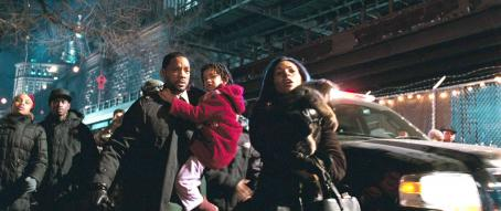 "Willow Smith (L-r) WILL SMITH as Robert Neville, WILLOW SMITH as Marley and SALLI RICHARDSON as Zoe in Warner Bros. Pictures' and Village Roadshow Pictures' sci-fi action adventure ""I Am Legend,"" distributed by Warner Bros. Pictures. Photo cour"