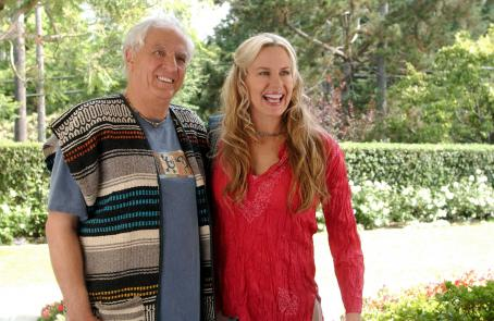 Garry Marshall  as Irwin Fiedler and Daryl Hannah as Sandy in Comedy movie Keeping Up With The Steins - 2006. Photo credit: Eric McCandless