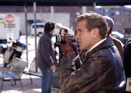 Leatherheads Director GEORGE CLOONEY on the set.
