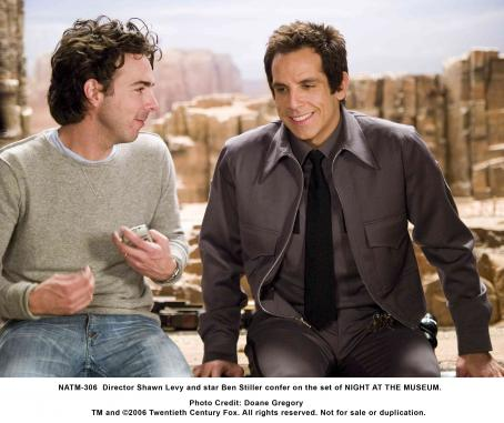 Night at the Museum Director Shawn Levy and star Ben Stiller confer on the set of NIGHT AT THE MUSEUM. Photo credit: Doane Gregory
