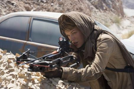 Resident Evil: Extinction Milla Jovovich stars in Screen Gems' action/horror film RESIDENT EVIL: EXTINCTION. Photo by: Rolf Konow