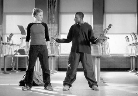 Sean Patrick Thomas Julia Stiles as Sara &  as Derek in Paramount's Save The Last Dance - 2001