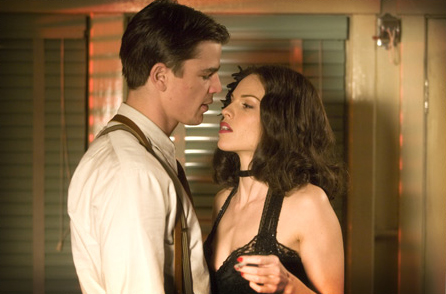 The Black Dahlia Josh Hartnett as Ofcr. Dwight 'Bucky' Bleichert with Hilary Swank as Madeleine Linscott in Brian De Palma movie,  - 2006