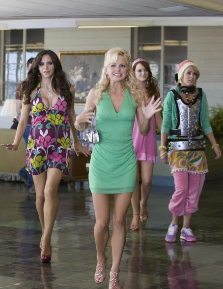 Katharine McPhee, Anna Faris, Emma Stone and Rumer Willis stars in Columbia Pictures' comedy The House Bunny. Photos by: Melinda Sue Gordon SMPSP. © 2007 Columbia Pictures Industries, Inc. All Rights Reserved.