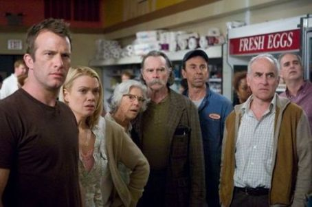 Laurie Holden L to R: Thomas Jane, , Frances Sternhagen, David Jensen and Jeffrey DeMunn in The Weinstein Company 'The Mist.'