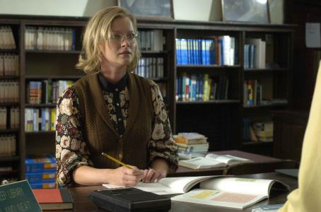 Gretchen Mol star as Gloria Jennings in David Wain comedy 'The Ten'
