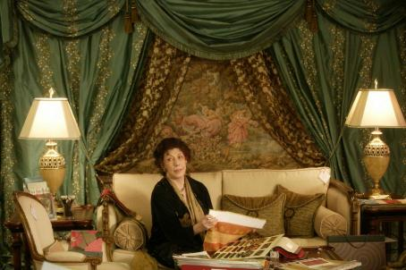 Lily Tomlin  star as Abigail in The Walker.