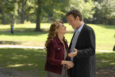 Nia Vardalos as Genevieve and John Corbett as Greg in I HATE VALENTINE'S DAY directed by Nia Vardalos. Photo credit: IHVD Holding Company LLC. An IFC Films release