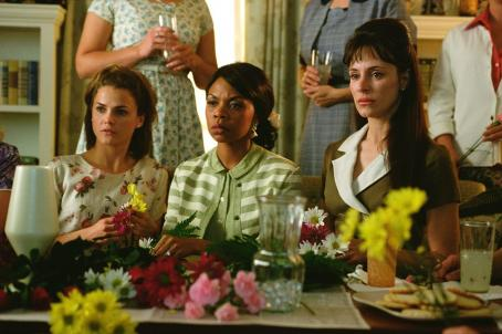 Simbi Khali Keri Russell,  and Madeleine Stowe in Paramount's We Were Soldiers - 2002