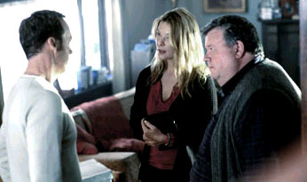 Deborah Kara Unger Jonathan Rivers (Michael Keaton) and Sarah Tate () in White Noise