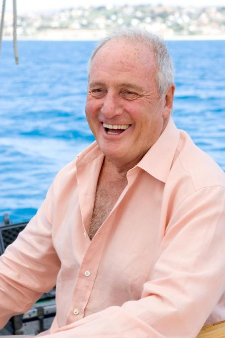 "Jerry Weintraub Producer JERRY WEINTRAUB on the set of ""Ocean's Twelve,"" starring George Clooney, Brad Pitt, Matt Damon, Catherine Zeta-Jones, Andy Garcia, Don Cheadle, Bernie Mac and Julia Roberts and distributed by Warner Bros. Pictures. Photo by Ralp"