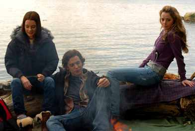 Gina Holden  as Amanda, Dustin Milligan as Trevor and Erica Durance as Julie in The Butterfly Effect 2 - 2006