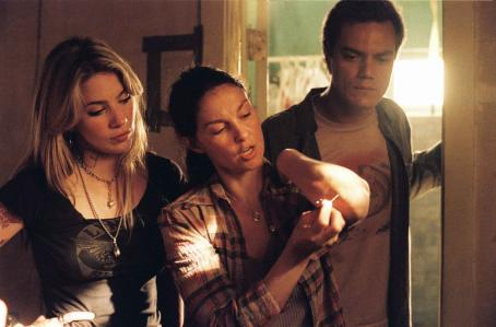 Lynn Collins R.C. (), Agnes White (Ashley Judd) and Peter Evans (Michael Shannon) in William Friedkin's BUG. Photo credit: Anthony Friedkin