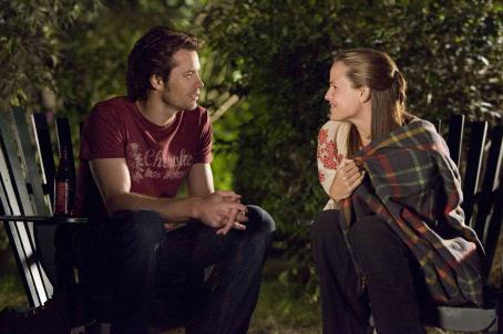 Catch and Release Timothy Olyphant (left) and Jennifer Garner (right) star in Columbia Pictures' . Photo Credit : Doug Curran.