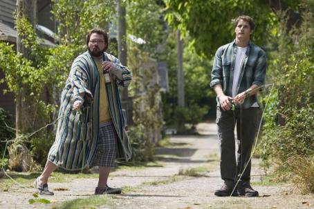 Kevin Smith  (left) and Sam Jaeger (right) star in Columbia Pictures' Catch and Release. Photo Credit : Doug Curran.