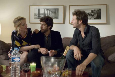 2 Days in Paris (Left) Julie Delpy as Marion and (center) Adam Goldberg as Jack in