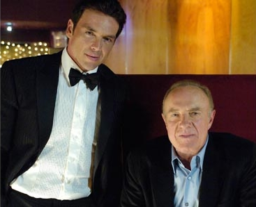 Frank Russo (Jason Gedrick) and Salvatore Palmeri (James Caan) stars in Wisegal.