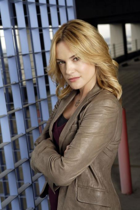 Day Break Victoria Pratt as Andrea Battle