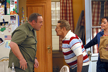 Carrie Heffernan Doug (Kevin James), Arthur (Jerry Stiller) and Carrie (Leah Remini) in CBS Television 'The King of Queens