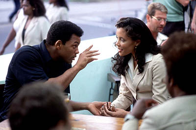 Michael Michele Will Smith as Ali and  as his third wife Veronica inColumbia's Ali - 2001