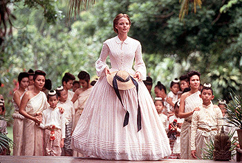 Anna and the King Jodie Foster teaches the king's 58 children in 20th Century Fox's Anna And The King - 12/99