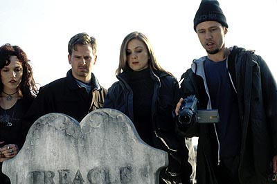 Tristine Skyler - Erica Geerson (Erica Leerhsen), Stephen Ryan Parker (Stephen Barker Turner), Tristen Ryler (Tristen Skyler), and Jeff Patterson (Jeffrey Donovan) in Artisan's Book of Shadows: Blair Witch 2 - 2000