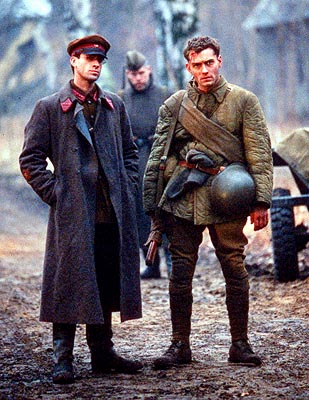 Vassili Zaitsev Joseph Fiennes and Jude Law in Paramount's Enemy At The Gates - 2001