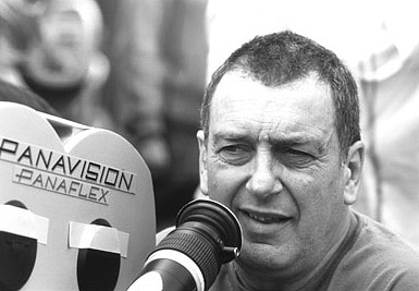 High Fidelity Director Stephen Frears on the set of Touchstone's  - 2000