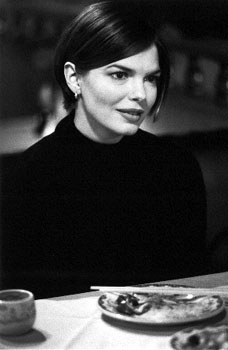 Jeanne Tripplehorn  in Mickey Blue Eyes
