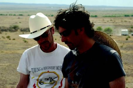 No Country for Old Men Director Joel and Ethan Coen behind the scene of