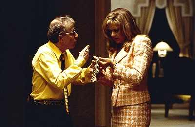 Tracey Ullman Ray Winkler (Woody Allen) shows his wife Frenchy () the spoils from his latest heist in Dreamworks' Small Time Crooks - 2000