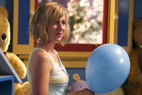 Traylor Howard  as Tonya Avery