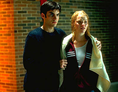 Melissa Sagemiller Matt (Wes Bentley) and Cassie () in Artisan's Soul Survivors - 2000