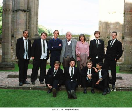 Stephen Campbell Moore L-R (Back Row): Samuel Anderson, James Corden, , Richard Griffiths, Frances De La Tour, Andrew Knott, Russell Tovey, (Front Row) Jamie Parker, Dominic Cooper, Samuel Barnett and Sacha Dhawan in THE HISTORY BOYS. Photo Credit: Alex Ba
