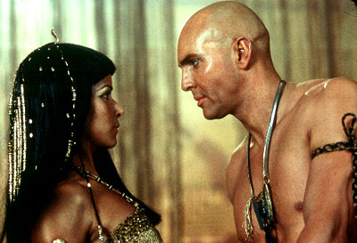Patricia Velasquez  as Anck-Su-Namun and Arnold Vosloo as Imhotep in Universal's The Mummy Returns - 2001