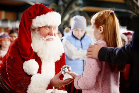 Liliana Mumy Tim Allen, Spencer Breslin and  in Disney's THE SANTA CLAUSE 3 The Escape Clause
