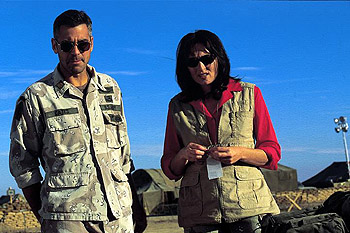 Three Kings George Clooney and Nora Dunn in Warner Brothers'  - 1999