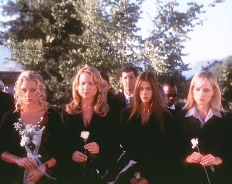 Valentine Jessica Cauffiel, Jessica Capshaw, Denise Richards and Marley Shelton in Warner Brothers'  - 2001