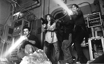 Cliff Curtis William Baldwin, Joanna Pacula,  and Jamie Lee Curtis in Universal's Virus - 1999