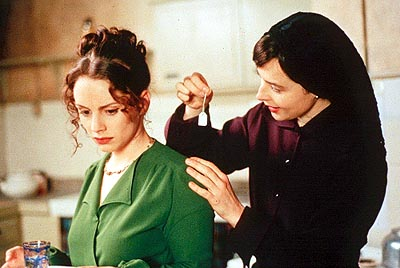 Laura Fraser  and Isabella Rossellini in Castle Hill's Left Luggage - 2000