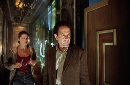 Tony Shalhoub Shannon Elizabeth and  in Warner Brothers' 13 Ghosts - 2001