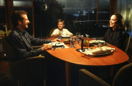 Frances O'Connor Sam Robards, Haley Joel Osment and Frances O'Connor in Warner Brothers' A.I.: Artificial Intelligence - 2001