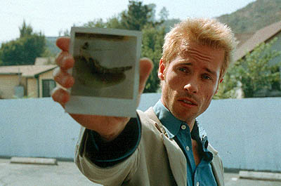 Memento Guy Pearce as Leonard in Newmarket Films'  - 2001