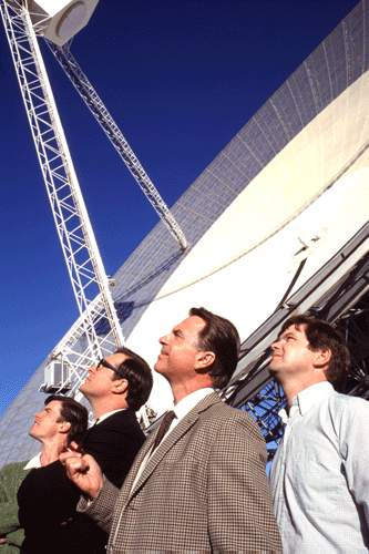 Patrick Warburton Tom Long, , Sam Neill and Kevin Harrington in Warner Brothers' The Dish - 2001