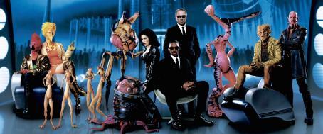 Serleena Will Smith,Tommy Lee Jones and Lara Flynn Boyle in Columbia's Men in Black II - 2002