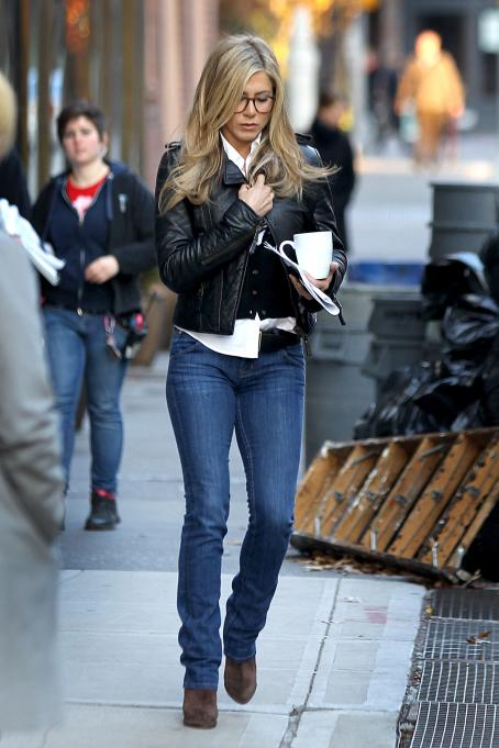 Wanderlust Jennifer Aniston on the set of