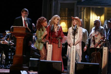 Lily Tomlin Garrison Keillor, , Meryl Streep and Lindsay Lohan in A Prairie Home Companion Photo by Melinda Sue Gordon